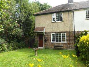2 Bedrooms End Of Terrace House for sale in Clock House Cottages, Capel, Dorking, Surrey