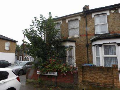 House for sale in Hythe Close, Edmonton, London