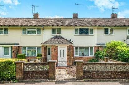 3 Bedrooms Terraced House for sale in Plantation Walk, Hemel Hempstead, Hertfordshire, .