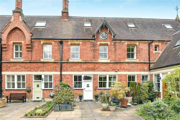 2 Bedrooms Terraced House for sale in Old Stables, Hitcham House, Hitcham Lane