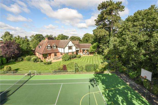4 Bedrooms Detached House for sale in Burghfield Bridge, Burghfield, Reading