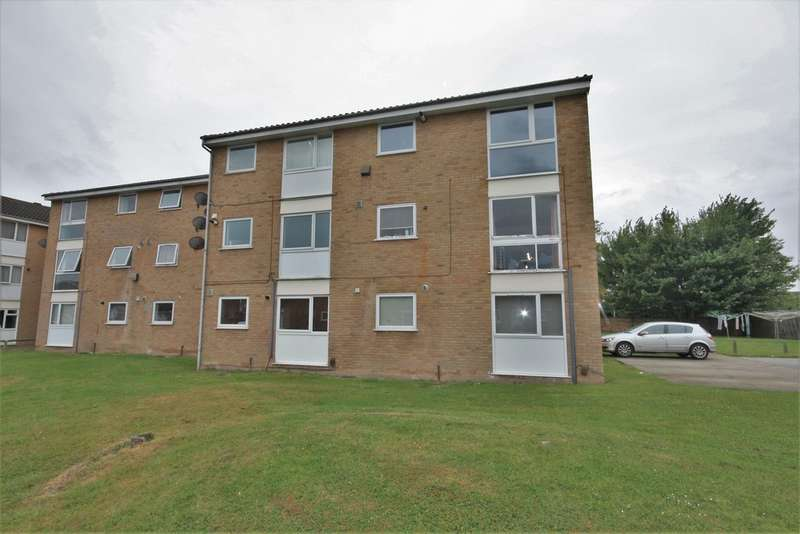 1 Bedroom Flat for sale in Lupin Drive, Chelmsford