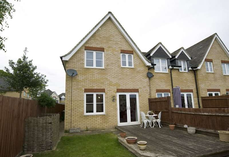 2 Bedrooms End Of Terrace House for sale in Charlton Close, Halstead, Essex, CO9