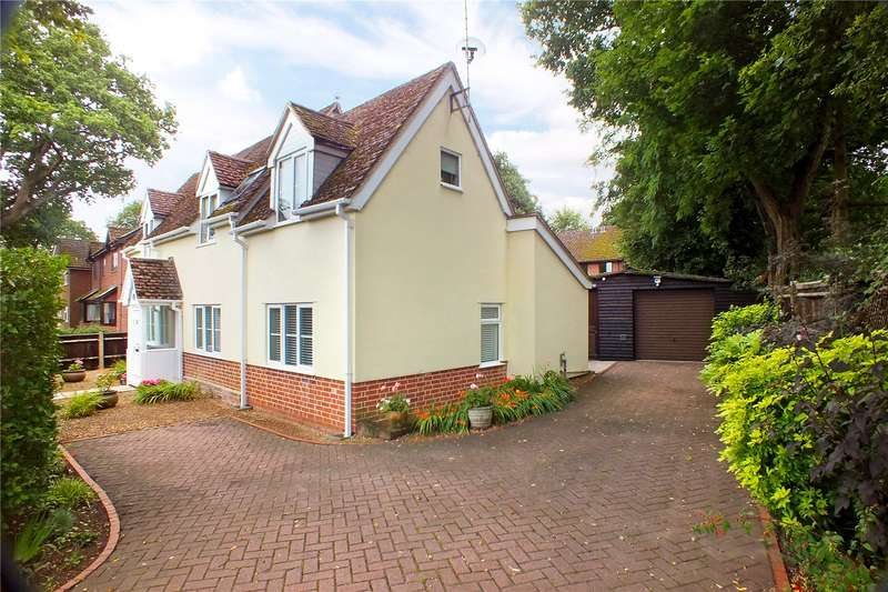 3 Bedrooms Detached House for sale in Sandy Lane, Church Crookham, Fleet, GU52