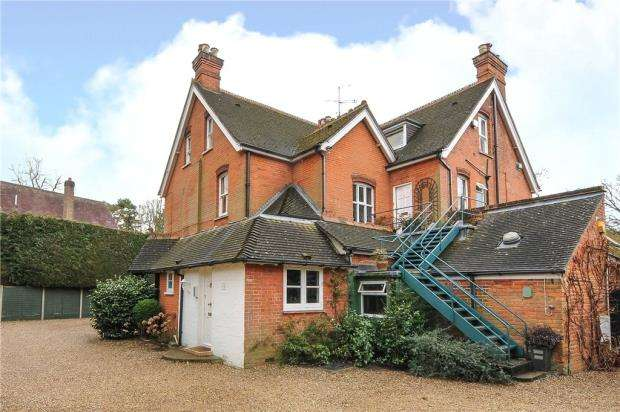 2 Bedrooms Maisonette Flat for sale in Tranquillity, Woodlands Ride, Ascot