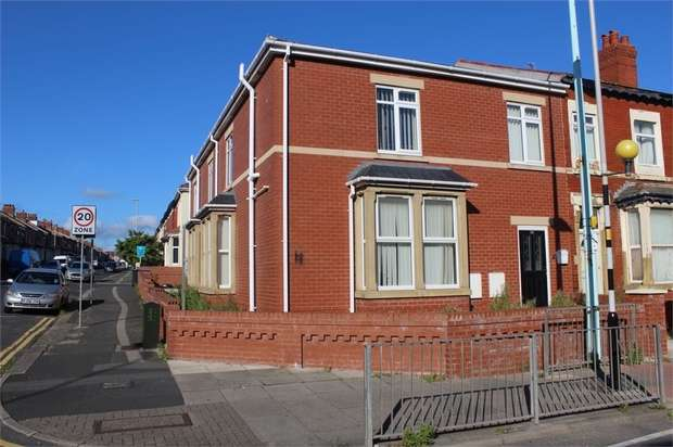 6 Bedrooms End Of Terrace House for sale in Grasmere Road, Blackpool, Lancashire
