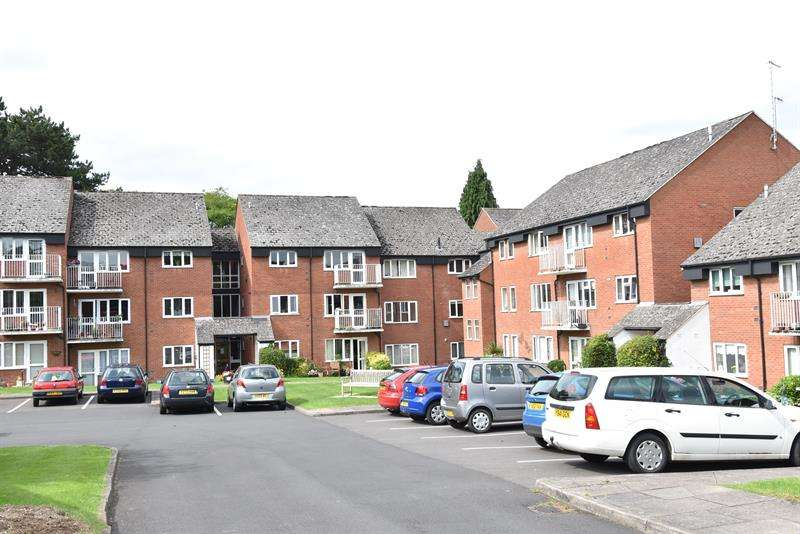 2 Bedrooms Flat for sale in Corbett Avenue, Droitwich