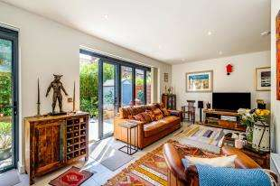 3 Bedrooms Terraced House for sale in Prince Regents Close, Brighton, East Sussex