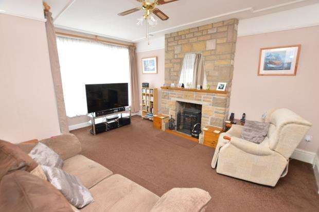 4 Bedrooms Terraced House for sale in Trebarwith Crescent, Newquay, Cornwall