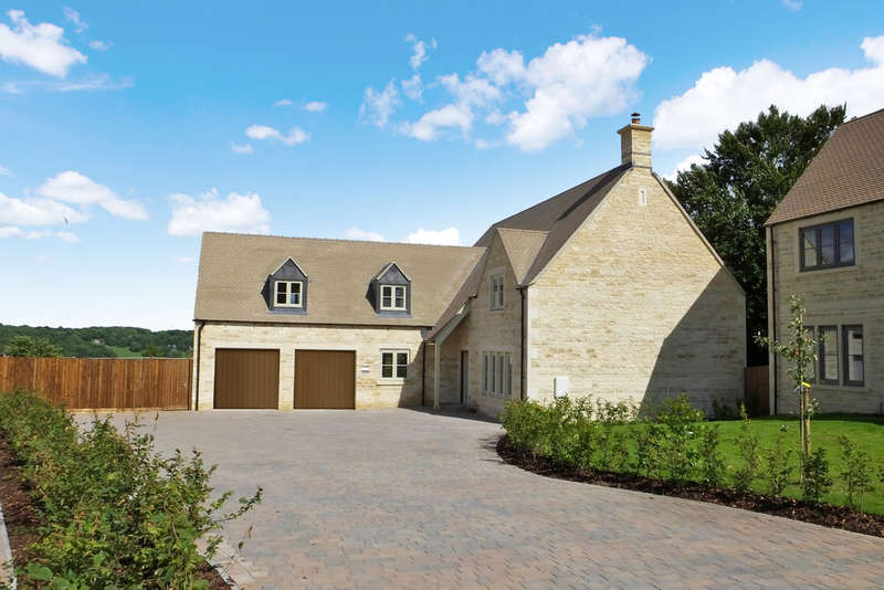 5 Bedrooms Detached House for sale in Rodborough