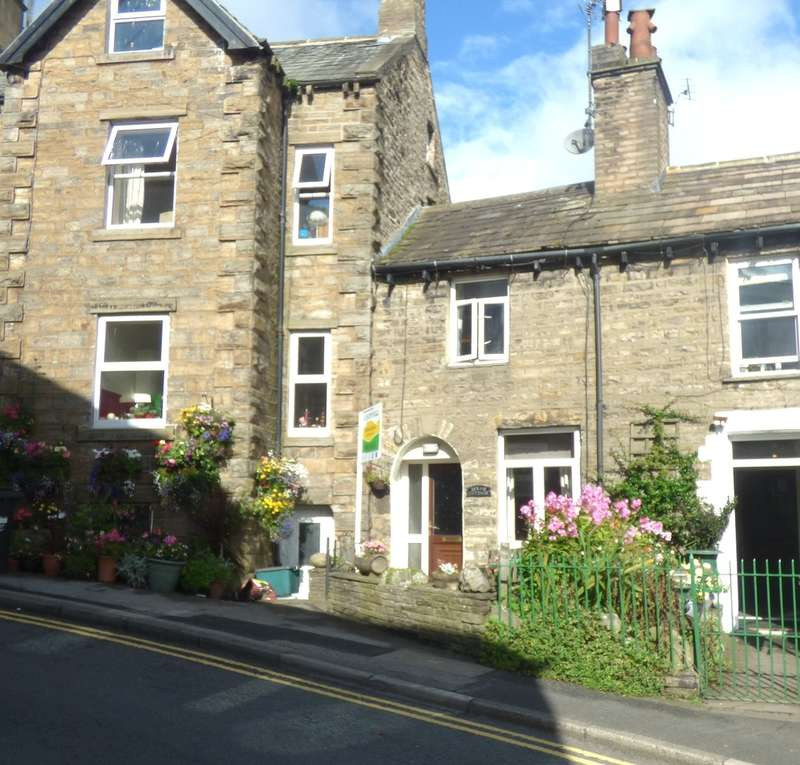 3 Bedrooms Cottage House for sale in Holme Cottage, Hawes