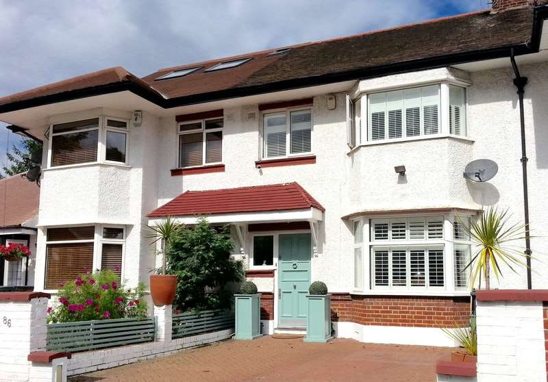 3 Bedrooms Terraced House for sale in Swyncombe Avenue, Ealing, London, W5