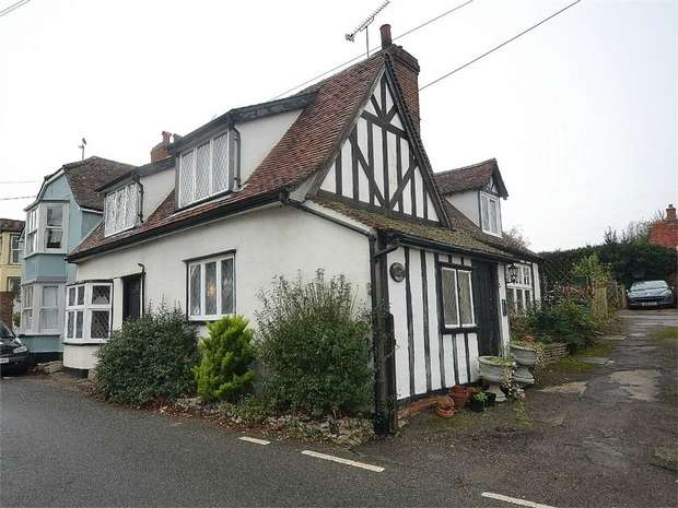 3 Bedrooms Semi Detached House for sale in Wethersfield, Essex