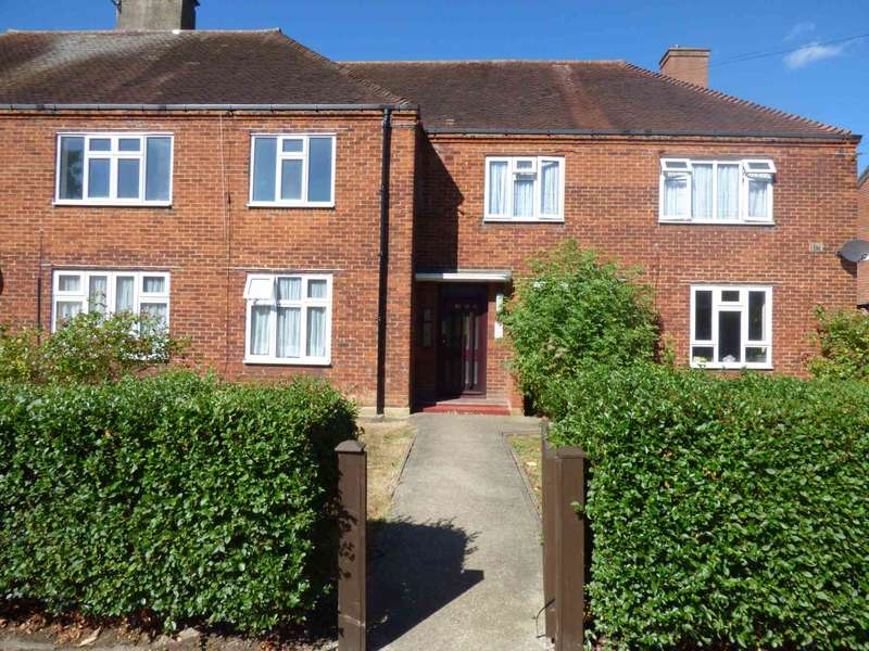 1 Bedroom Flat for sale in Manford Way Chigwell