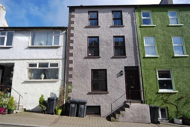 4 Bedrooms Terraced House for sale in Soutergate, Ulverston, Cumbria, LA12 7ER