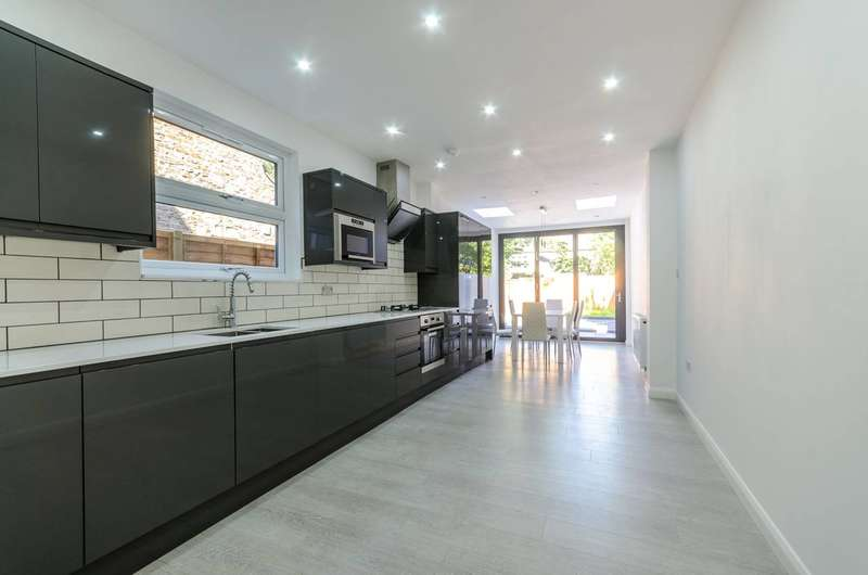 3 Bedrooms House for sale in Hartley Road, Croydon, CR0