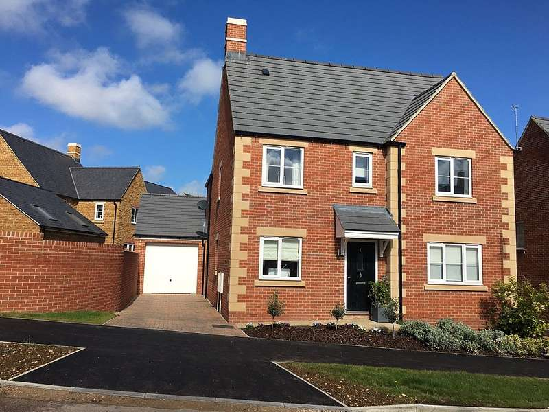 4 Bedrooms Detached House for sale in Golby Road, barford road, bloxham, Banbury, Oxfordshire, OX15 4GX