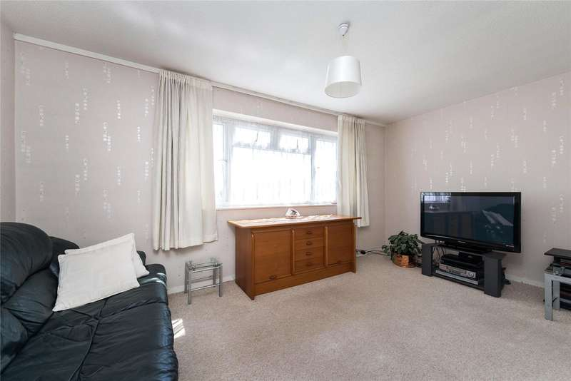 3 Bedrooms Maisonette Flat for sale in Bargrove Close, London