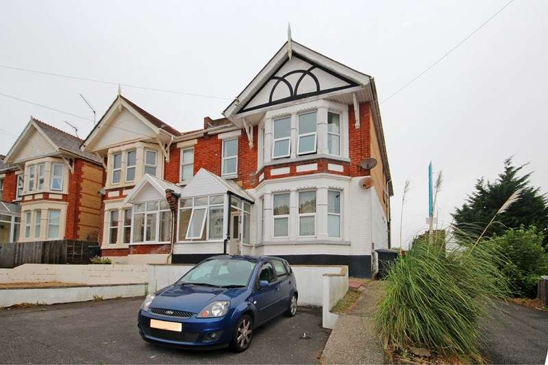 3 Bedrooms Flat for sale in Alexandra Road, Southbourne, Bournemouth