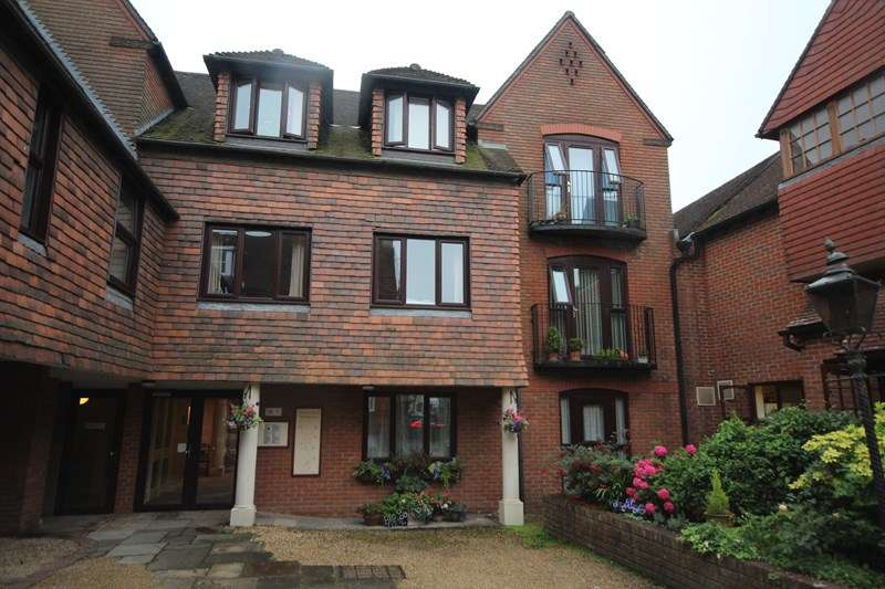 1 Bedroom Retirement Property for sale in Deweys Lane, Ringwood