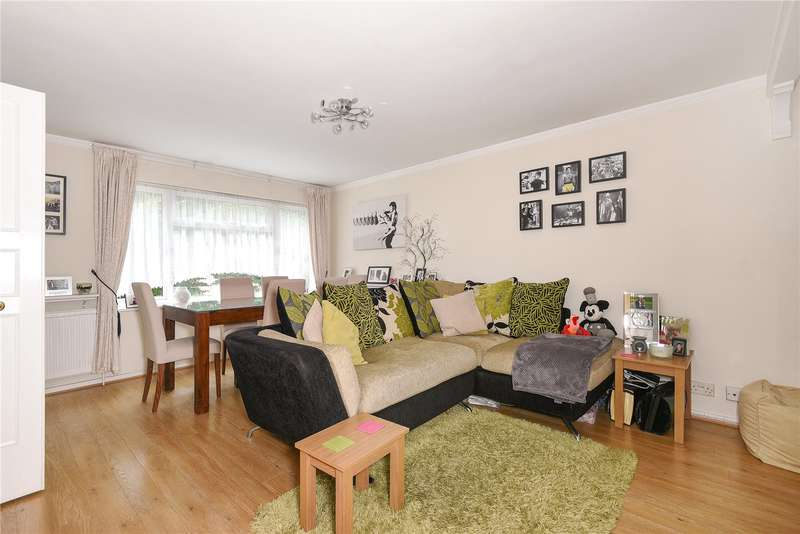 2 Bedrooms Maisonette Flat for sale in Standale Grove, Ruislip, Middlesex, HA4
