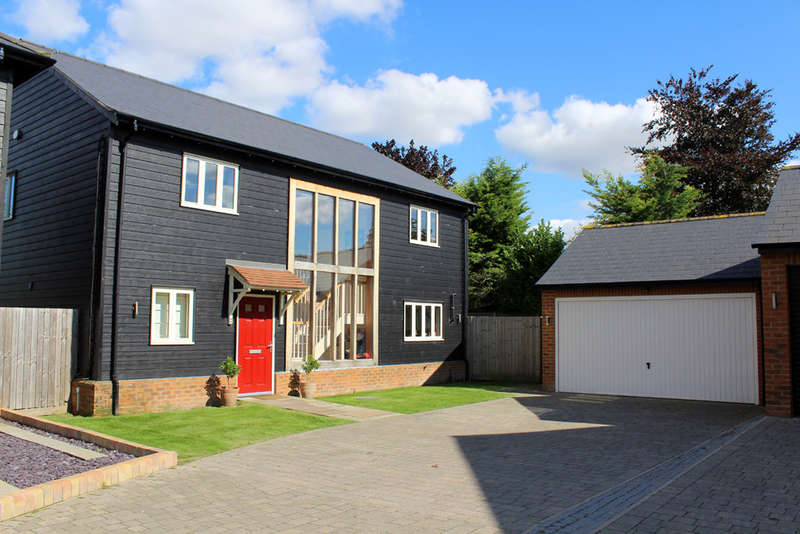 4 Bedrooms Detached House for sale in Half Acre, Melbourn Road, Royston