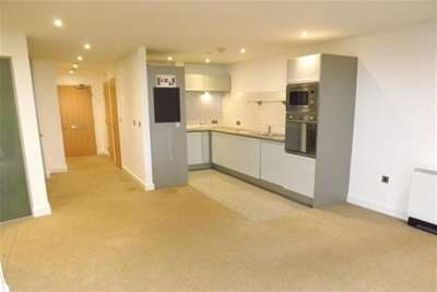 2 Bedrooms Flat for rent in Castle Exchange, Nottingham City Centre, NG1 3AP