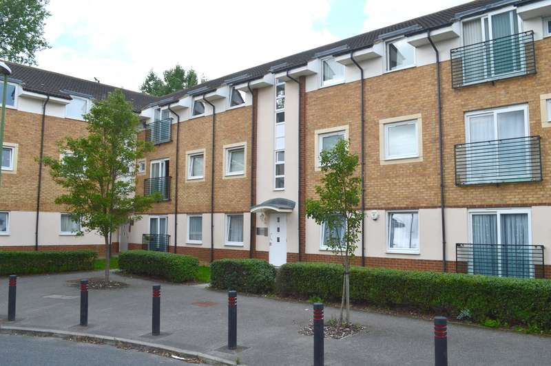 2 Bedrooms Flat for sale in Eddington Crescent, Welwyn Garden City, AL7