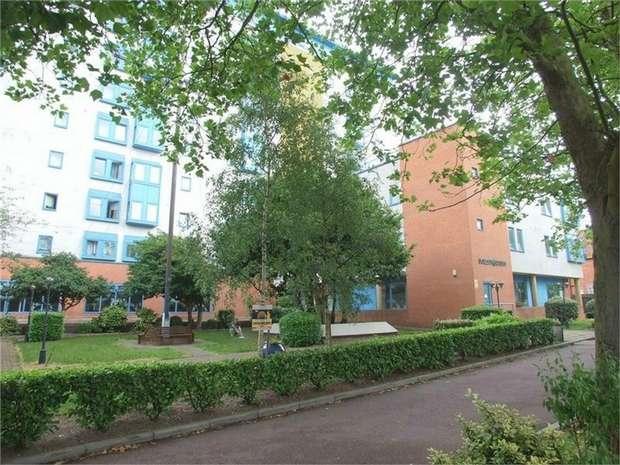 2 Bedrooms Flat for sale in 1258 London Road, London