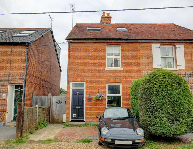 3 Bedrooms Semi Detached House for sale in Graham Road, Cookham