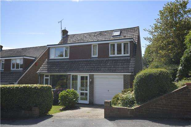 3 Bedrooms Detached House for sale in St. Vincents Road, ST LEONARDS-ON-SEA, East Sussex, TN38 0AB