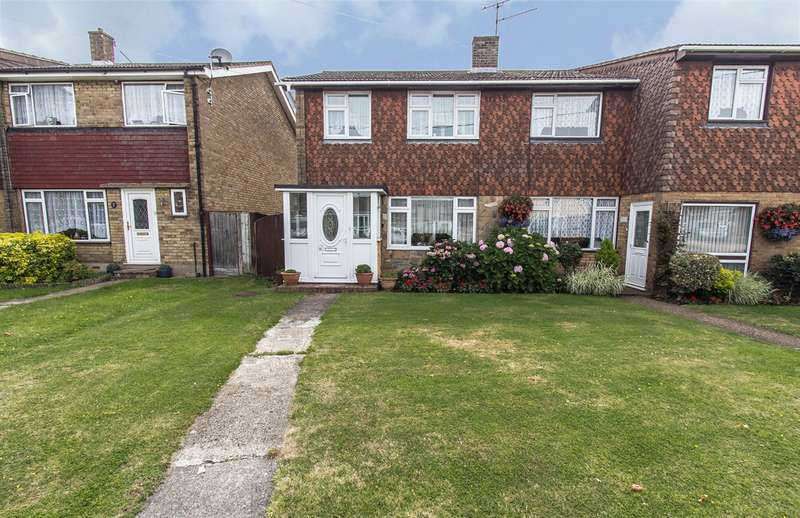 3 Bedrooms Semi Detached House for sale in Haven Road, Canvey Island, SS8