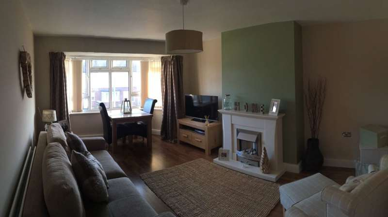2 Bedrooms Apartment Flat for sale in Moorhey Road, Maghull, Liverpool, L31