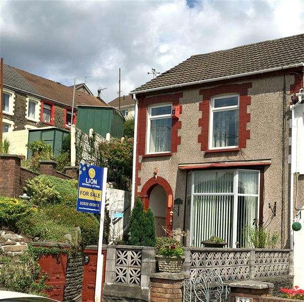 3 Bedrooms Terraced House for sale in BRON TEGWYN,, 26 Graigwen Road, Pontypridd