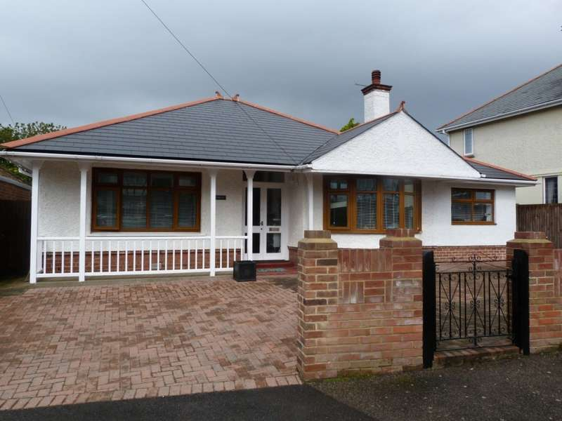 3 Bedrooms Detached Bungalow for sale in St. Lawrence Avenue, Ramsgate