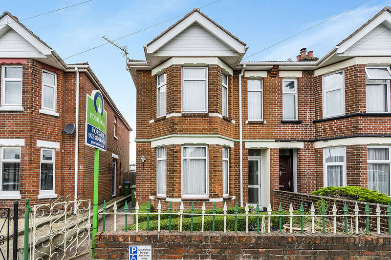 3 Bedrooms Semi Detached House for sale in Leighton Road, Southampton, SO19