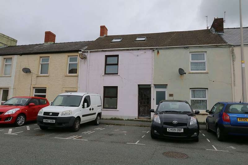3 Bedrooms Terraced House for sale in Robert Street, Milford Haven, Sir Benfro, SA73 2HS