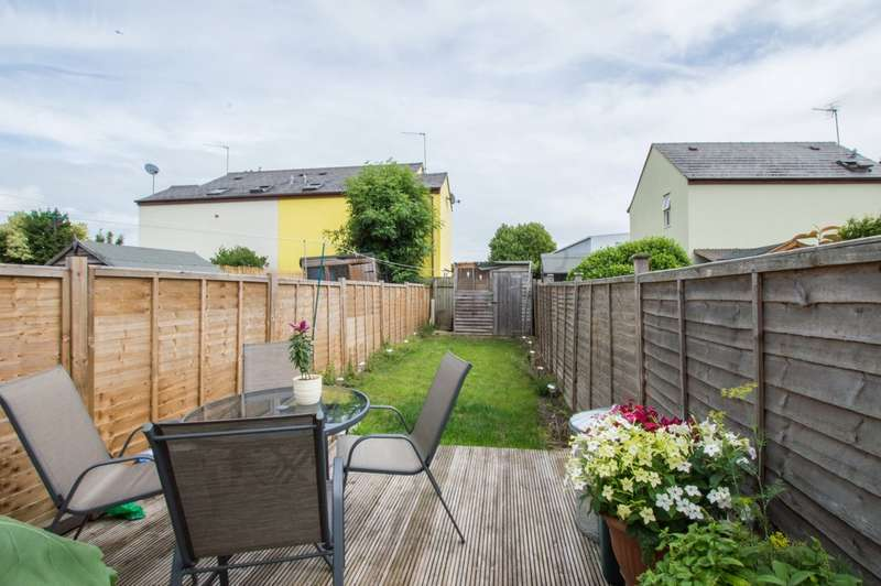 2 Bedrooms Terraced House for sale in Rosehill Street, Cheltenham GL52 6SJ