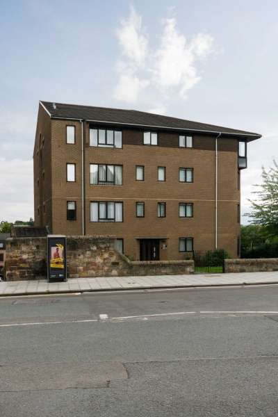 1 Bedroom Ground Flat for sale in Broughton Road, Canonmills, Edinburgh, EH7 4QH
