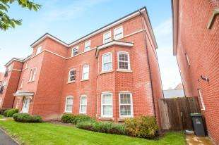 2 Bedrooms Flat for sale in George Roche Road, Canterbury, Kent, United Kingdom