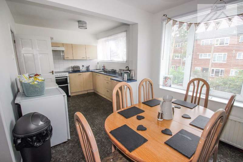 3 Bedrooms Terraced House for sale in St Christophers Close, Canvey Island - SPACE IN ABUNDANCE