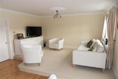 2 Bedrooms Flat for rent in CHANDLERS QUAY, ST PETER'S BASIN
