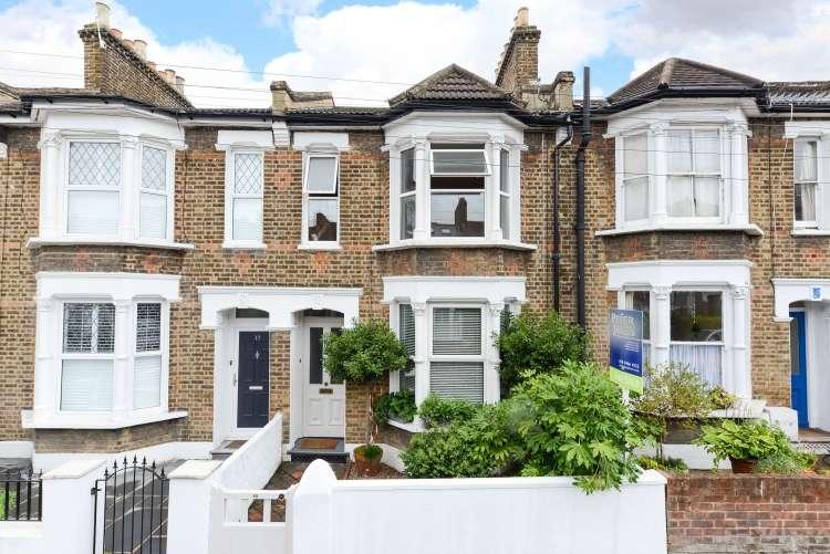 1 Bedroom Flat for sale in Darfield Road London SE4