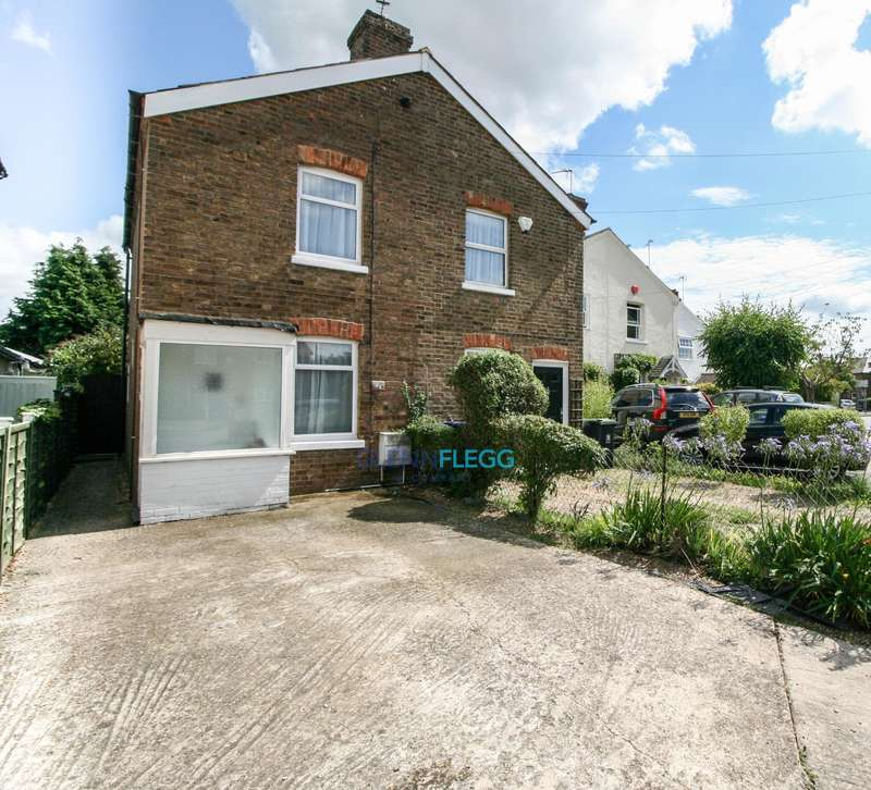 2 Bedrooms Semi Detached House for sale in Burnham Village