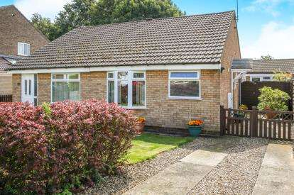 2 Bedrooms Bungalow for sale in Littondale Avenue, Knaresborough, ., North Yorkshire