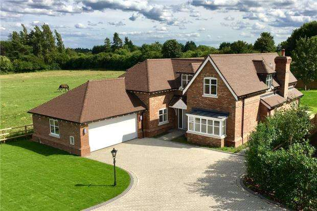 5 Bedrooms Detached House for sale in Heritage Gardens, Green Lane, Littlewick Green