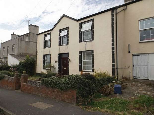 5 Bedrooms Detached House for sale in Twthill East, Caernarfon, Gwynedd