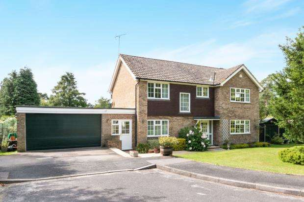 4 Bedrooms House for sale in Hindhead, Surrey, United Kingdom