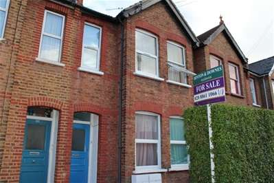 2 Bedrooms Flat for sale in Rosslyn Crescent, Harrow