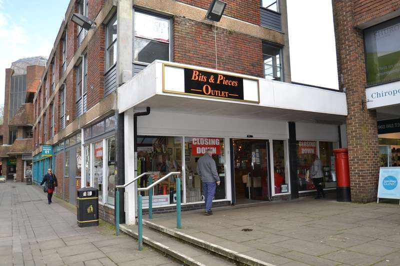 Shop Commercial for rent in Former Post Office, Middle Brook Street, Winchester, SO23 8DQ